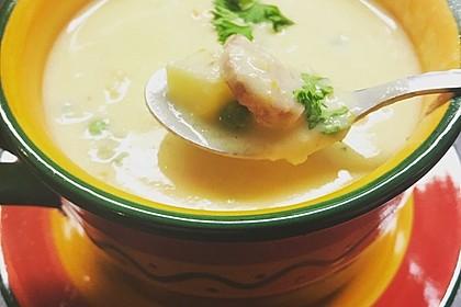 Kartoffelsuppe mit Erbsen und Mettwürstchen 28