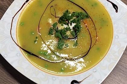 Kartoffelsuppe mit Erbsen und Mettwürstchen 39