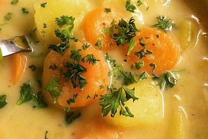 Kartoffelsuppe mit Erbsen und Mettwürstchen 48