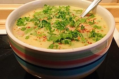 Kartoffelsuppe mit Erbsen und Mettwürstchen 21