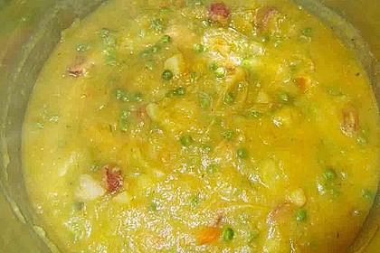 Kartoffelsuppe mit Erbsen und Mettwürstchen 76