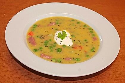 Kartoffelsuppe mit Erbsen und Mettwürstchen 33