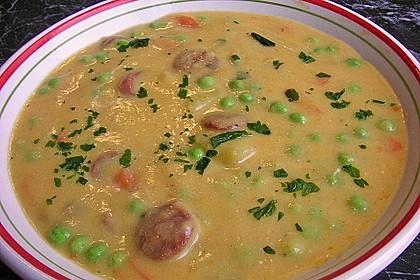 Kartoffelsuppe mit Erbsen und Mettwürstchen 25