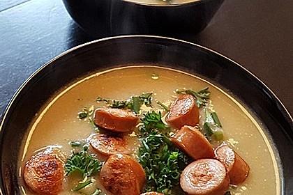 Kartoffelsuppe mit Erbsen und Mettwürstchen 2
