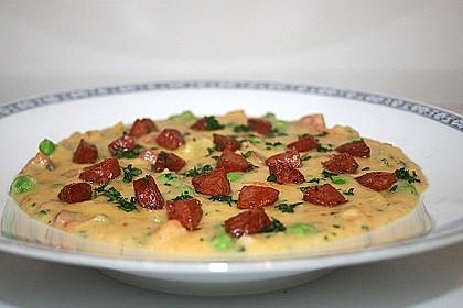 Kartoffelsuppe mit Erbsen und Mettwürstchen 16