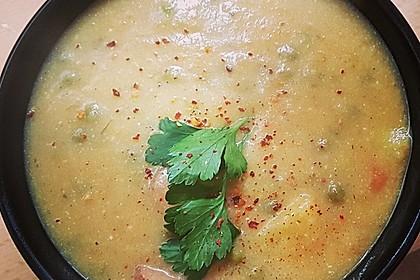 Kartoffelsuppe mit Erbsen und Mettwürstchen 35