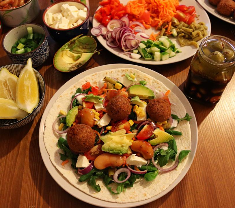 Falafel Wrap Mit Dattel Schmand Dip Von Aprilkaetzchen Chefkoch