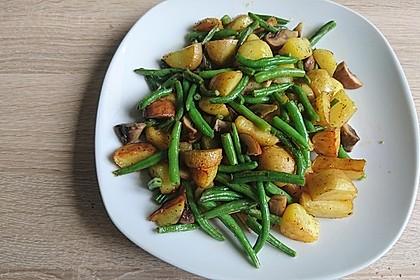 Kartoffel-Bohnen-Champignon-Pfanne