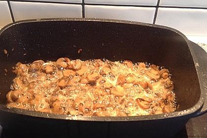 Geschmorte Hähnchenschenkel mit Champignons und Tomaten 2