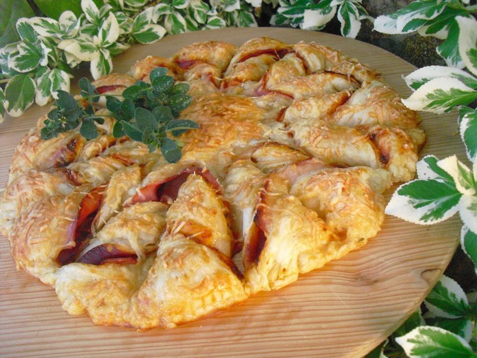 Blätterteig-Pizza-Sonne