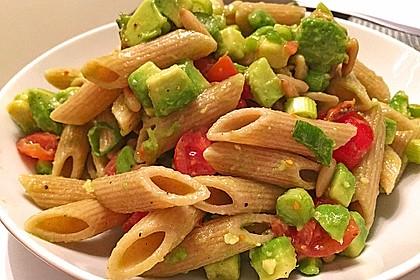 Spaghettisalat mit Tomate und Avocado 1