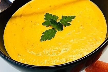 Möhren-Kokos-Suppe mit Ingwer (Bild)