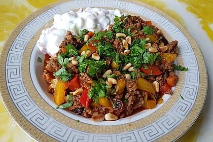 Orientalische Hackfleischpfanne mit Joghurtdip 3