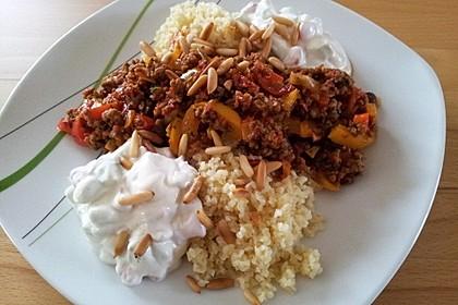 Orientalische Hackfleischpfanne mit Joghurtdip 33