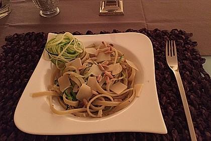krümeltigers Vollkornspaghetti mit Zucchinispaghetti 1