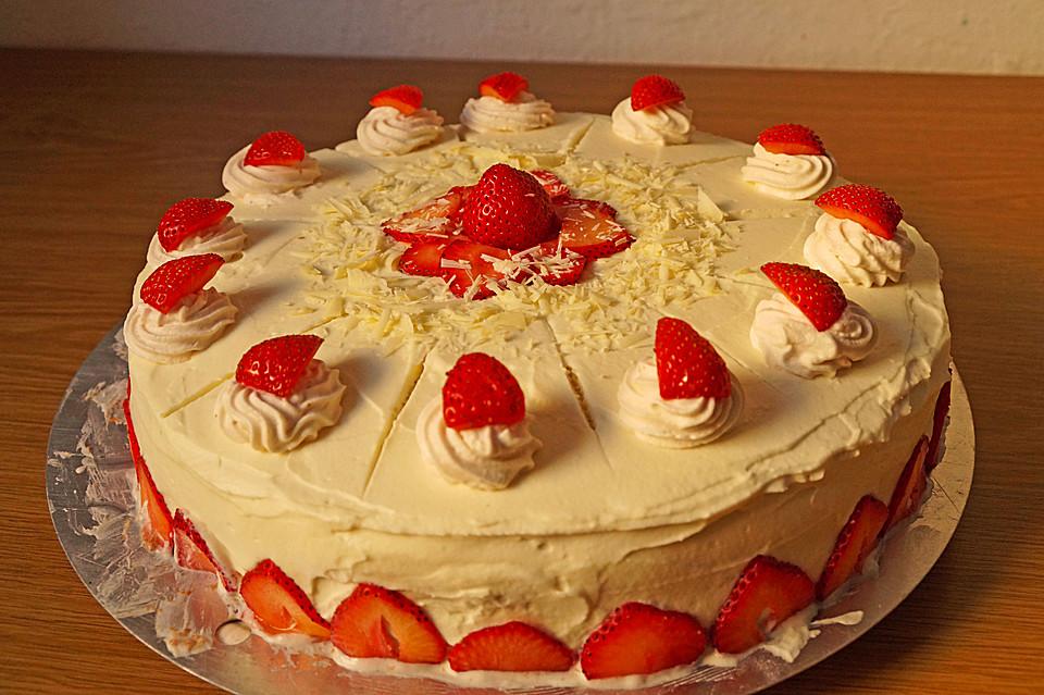 Weisse Schoko Erdbeer Torte Von Kuchenlena24 Chefkoch De