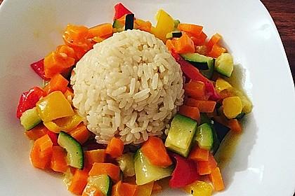 Gemüsereispfanne mit Kokosmilch