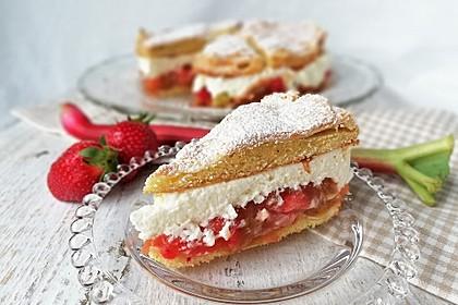 Rhabarber-Erdbeer-Torte mit Baiser