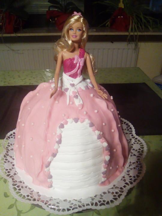 Prinzessinnentorte Mit Erdbeercreme Von Dream0984 Chefkoch De