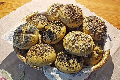 Glutenfreie Vollkornbrötchen mit Buttermilch