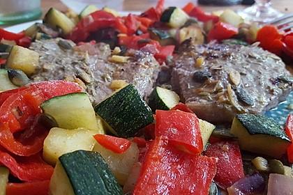 Marinierte Rindersteaks mit Zucchini-Paprika-Ingwer-Gemüse 1