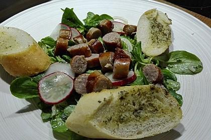 Bratwurstsalat mit Paprika, Radieschen und Zwiebeln 4