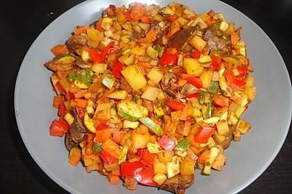 Mediterrane Kartoffel-Gemüsepfanne 18