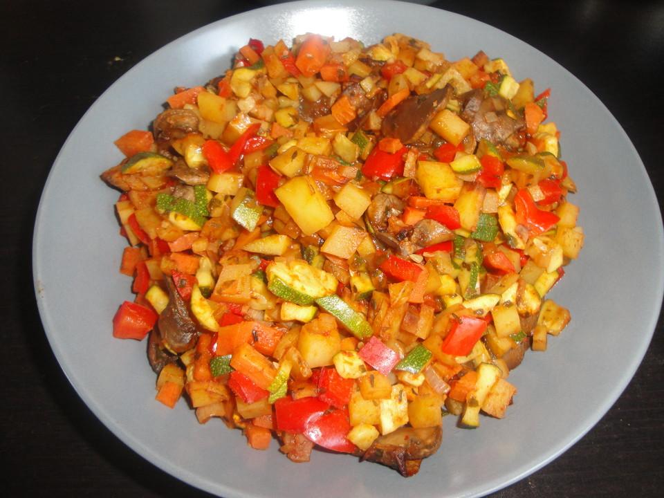 Mediterrane Sommerküche Rezepte : Mediterrane kartoffel gemüsepfanne von viniferia chefkoch
