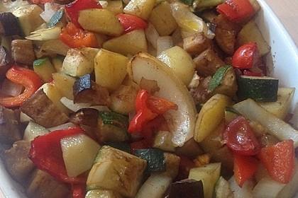 Mediterrane Kartoffel-Gemüsepfanne 21