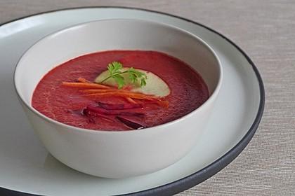 Exotische Rote-Bete-Suppe mit Apfel, Ingwer, Karotten und Frischkäse 2