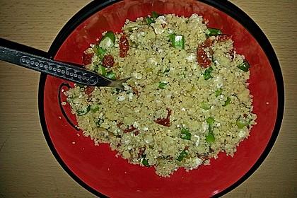 Sofias Couscous-Salat mit Feta, Tomaten und gefüllten Peperoni