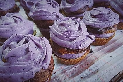 Heidelbeer-Mascarpone-Frosting für Cupcakes 5