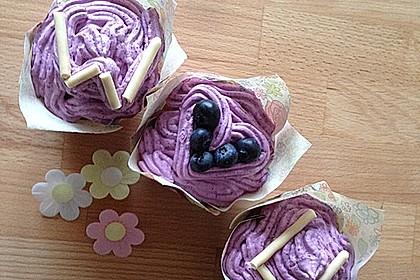 Heidelbeer-Mascarpone-Frosting für Cupcakes 15