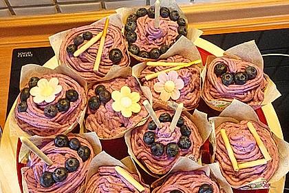 Heidelbeer-Mascarpone-Frosting für Cupcakes 14