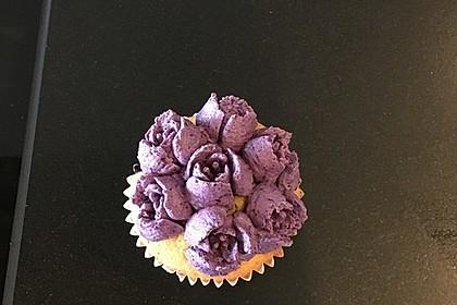 Heidelbeer-Mascarpone-Frosting für Cupcakes 3