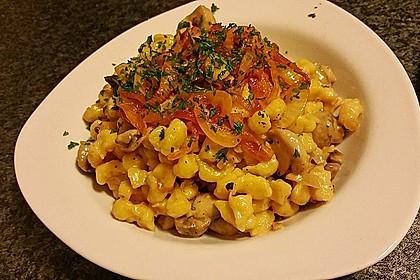 Champignon-Kräuter-Spätzle mit Honig-Röstzwiebeln 2