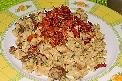 Champignon-Kräuter-Spätzle mit Honig-Röstzwiebeln 8