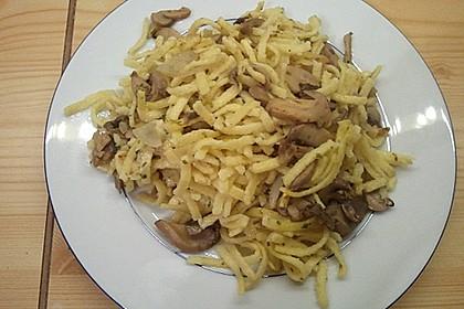 Champignon-Kräuter-Spätzle mit Honig-Röstzwiebeln 23