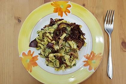 Champignon-Kräuter-Spätzle mit Honig-Röstzwiebeln 10