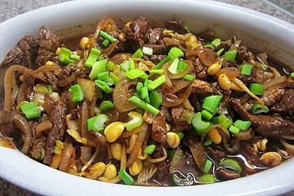 Rindfleisch mit Zwiebeln 1