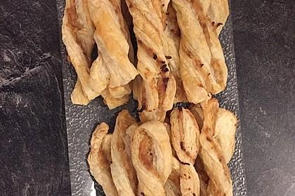 Zwiebel - Blätterteig - Stangen 30