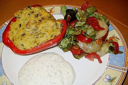 Chrissis gefüllte Paprika mit Polenta, Champignons, Lauch und Kräutercreme