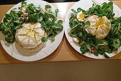 Gebackener Camembert an Honig-Senf-Sauce mit Rucola-Tomaten-Salat 2