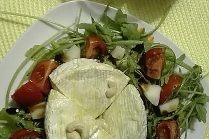Gebackener Camembert an Honig-Senf-Sauce mit Rucola-Tomaten-Salat 7