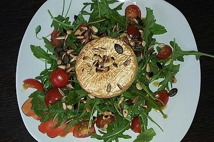 Gebackener Camembert an Honig-Senf-Sauce mit Rucola-Tomaten-Salat 5