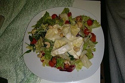 Gebackener Camembert an Honig-Senf-Sauce mit Rucola-Tomaten-Salat 10