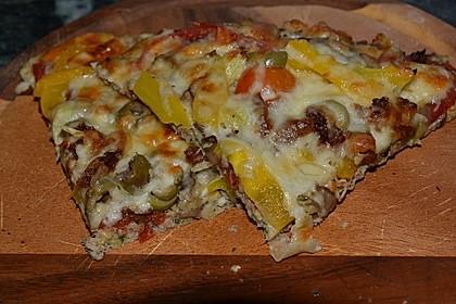 Zucchini-Thunfisch Pizza ohne Mehl 2