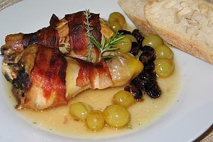 Hühnerkeulen mit Weintrauben (Bild)