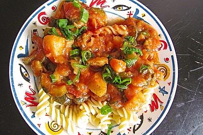 Zucchini-Kartoffel-Eintopf mediterran mit Spirelli-Nudeln