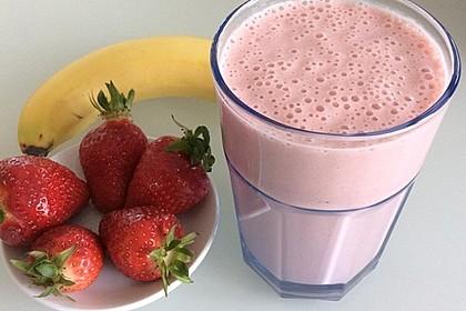 Erdbeer-Bananen-Smoothie mit Haferflocken und Joghurt 2